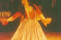Aisha Ali at Misha's performing a Persian dance from the Qajar era. (Ruhowzi)